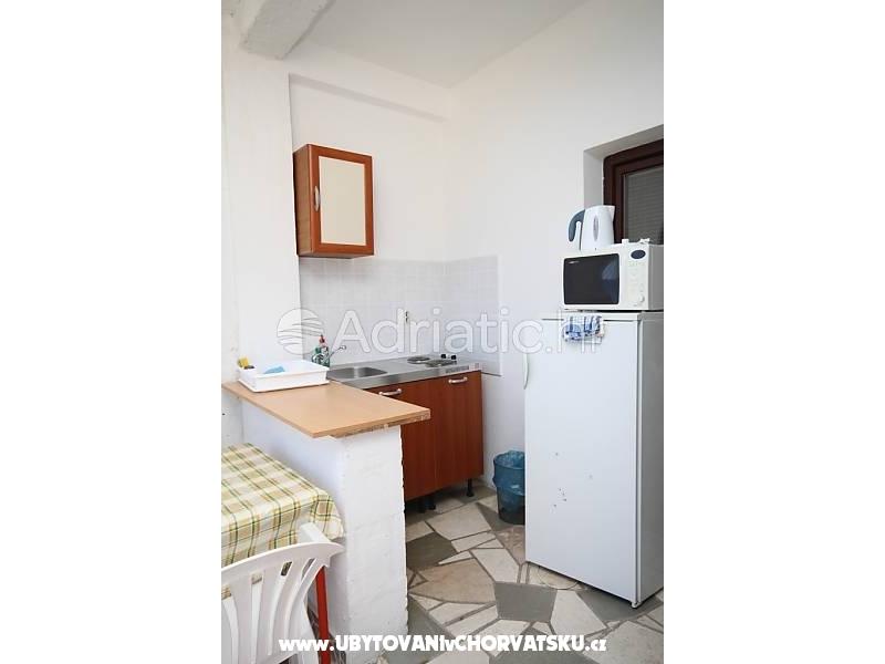Apartmány Marta - Gradac – Podaca Chorvátsko