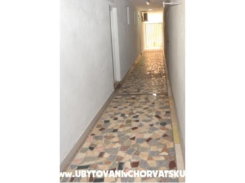 Apartmány Mirnna - Gradac – Podaca Chorvatsko