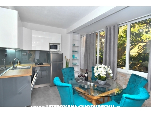 Apartmány Robert - Gradac – Podaca Chorvátsko
