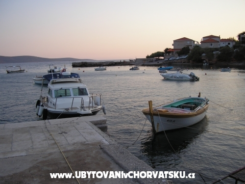 ART AND NATURE - ostrov Hvar Hrvaška