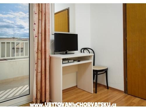 Apartments Karmelo Lulić - Igrane Croatia
