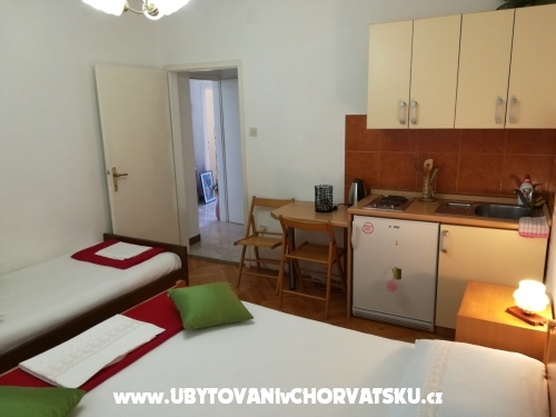 Apartments Lile - Igrane Croatia