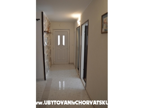 Apartments Renata - Igrane Croatia