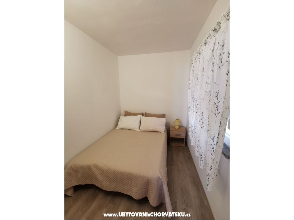 Apartments Deak - Drace & Trstenik Croatia