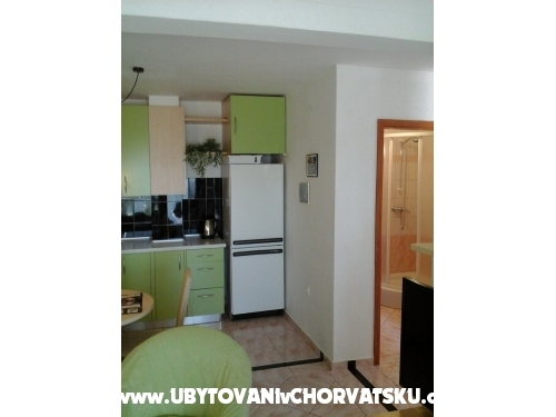Appartements Paola - Karlobag Croatie