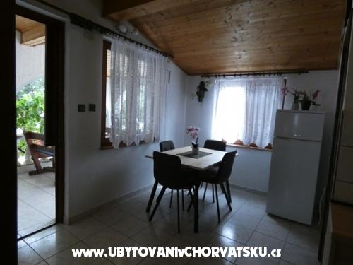 Apartm�ny Marija - Karlobag Chorvatsko