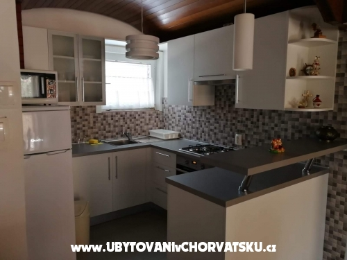 Apartments Matek - Karlobag Croatia