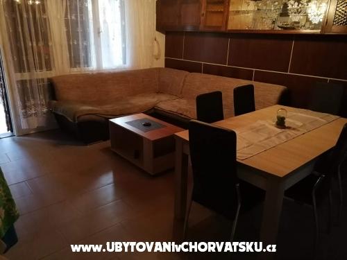 Apartmanok Matek - Karlobag Horvátország