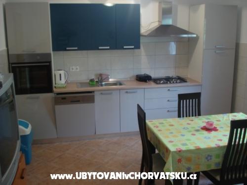 Apartman Toma - Karlobag Hrvatska