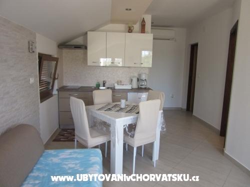 Apartmani Gracijela - Karlobag Hrvatska