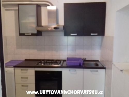 Apartma  Ana - Kaštela Hrvaška
