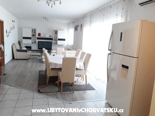Apartment Perić - Kaštela Kroatien