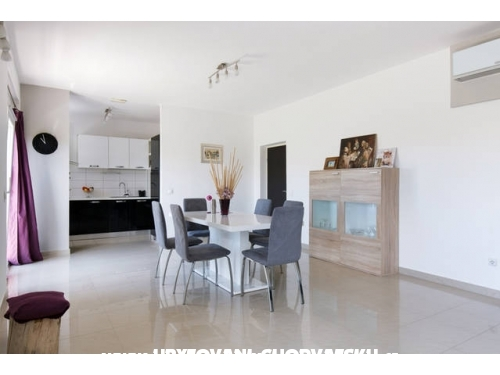 Apartament Sempervivum - Kaštela Chorwacja