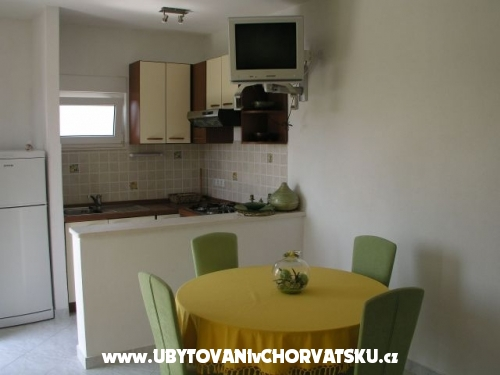 Apartmanok Botić - Kaštela Horvátország