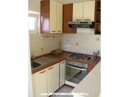 Apartments Boti� - Ka�tela Croatia