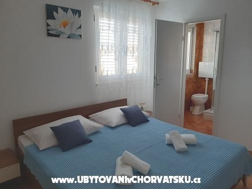 Apartmaji Hrga - Kaštela Hrvaška