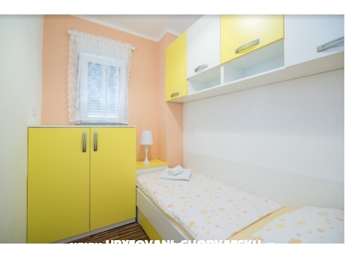 Apartments Kike - Ka�tela Croatia