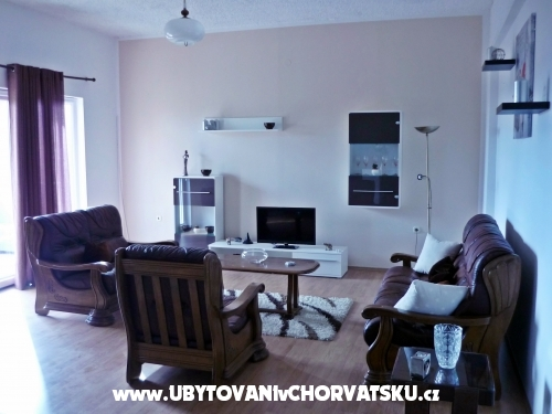 Apartments Vuji� - Ka�tela Croatia