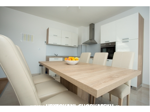 Beach Studio Apartmanok - Kaštela Horvátország