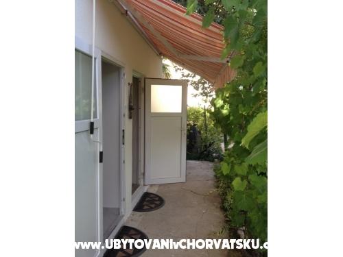 Apartaments Ela Krk - ostrov Krk Croatia