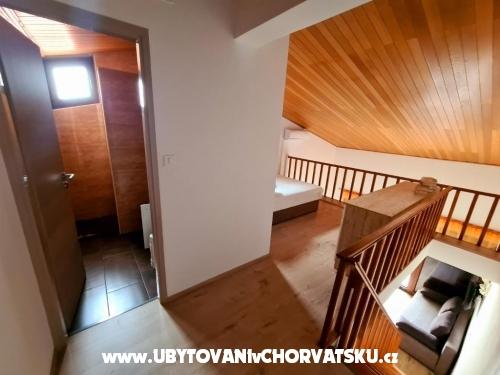 Apartmaji Dupin - ostrov Krk Hrvaška