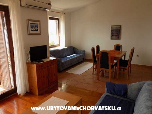 Apartments Karla  Njivice - ostrov Krk Croatia