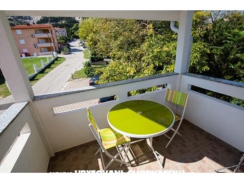 Apartmaji ZAROK  Baška - ostrov Krk Hrvaška