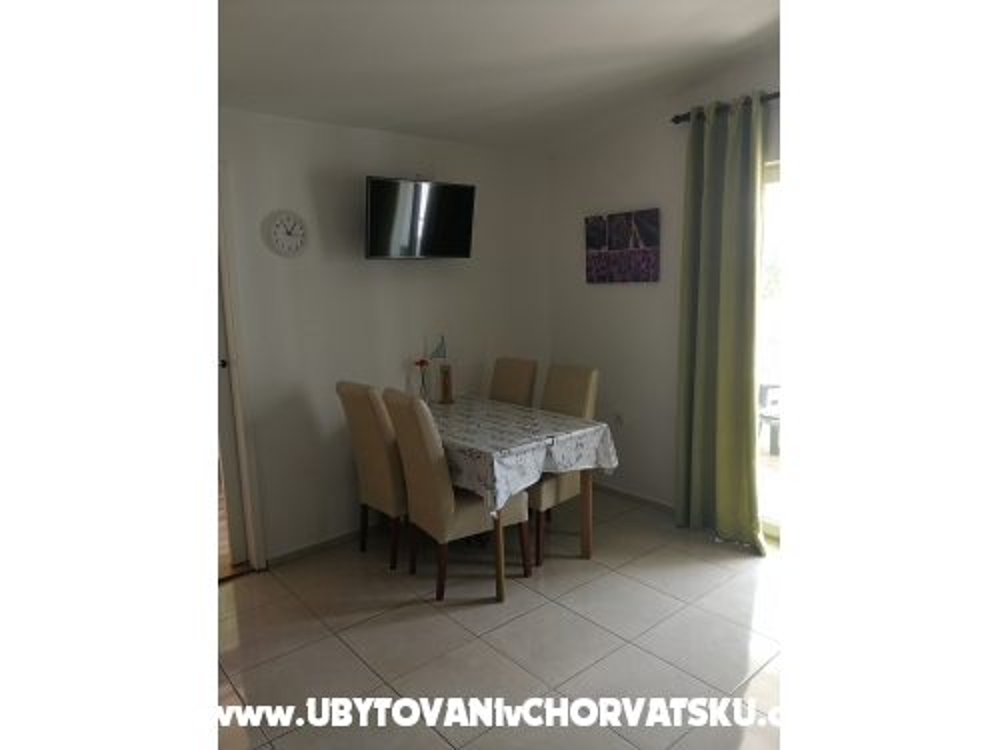 Studio-apartmani Cene - ostrov Krk Hrvatska