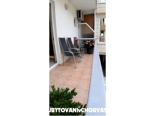 Apartmaji Antunović - Makarska Hrvaška