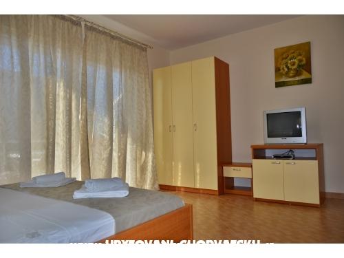 Apartmaji Vujcic - Makarska Hrvaška