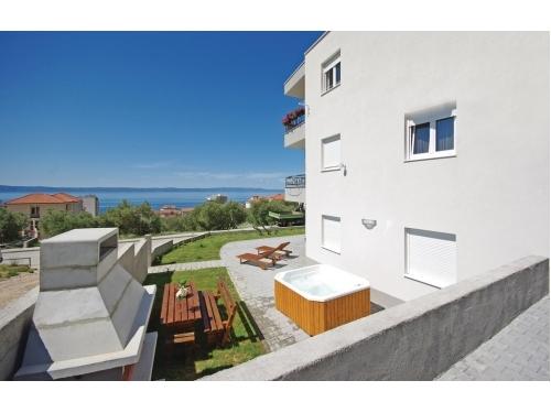 Lux AP6+2 jacuzzi - Makarska Hrvatska