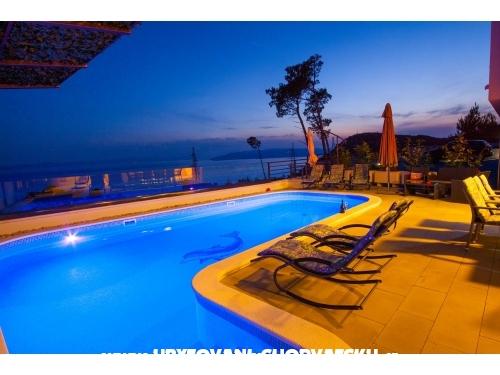 Apartmani sa bazenom MAMato - Makarska Hrvatska