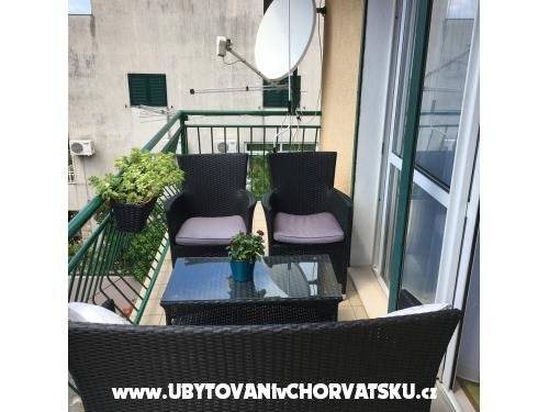 Momy - Makarska Croatia