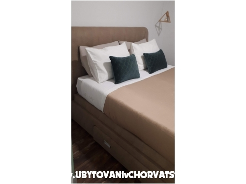 Villa Apartments Sumić - Makarska Croatia