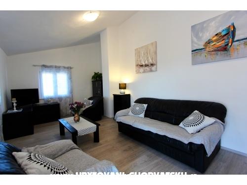 Apartma Petra - Marina – Trogir Hrvaška