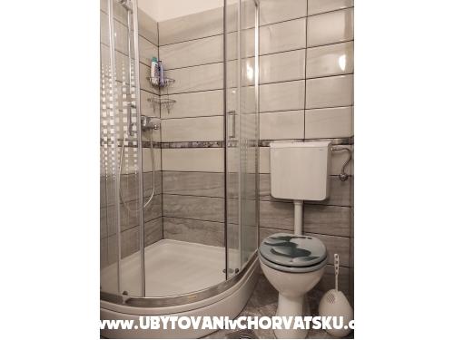 Apartmaji Bombelio - Marina – Trogir Hrvaška