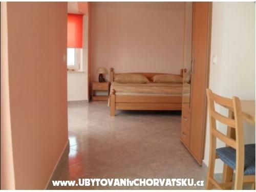 Apartmaji Lana - Marina – Trogir Hrvaška
