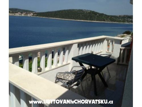 Apartm�ny Lana - Marina � Trogir Chorv�tsko