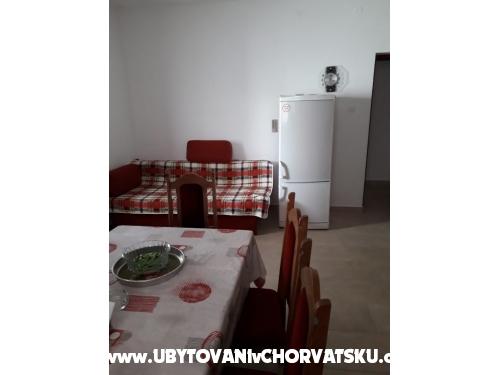 Apartmaji Vuletić - Marina – Trogir Hrvaška