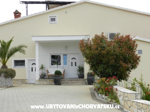 Apartma-Kaskada - Marina � Trogir Hrva�ka