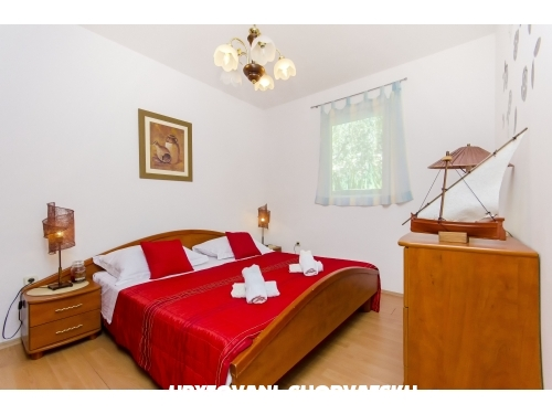 Apartman Sevid - Marina � Trogir Horv�torsz�g