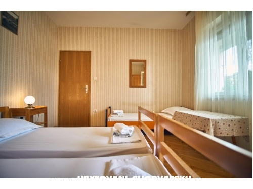 Appartements Boris - Vinisce near Tro - Marina – Trogir Croatie