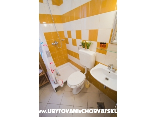 Apartmaji Mango - Marina – Trogir Hrvaška