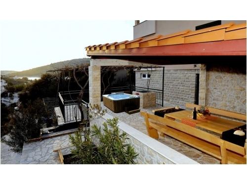 Počitniški dom - Mirna vala - Marina – Trogir Hrvaška