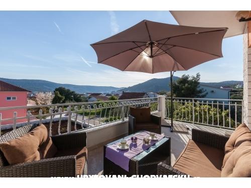 Villa s bazenom  SB Matijas - Marina – Trogir Chorvatsko