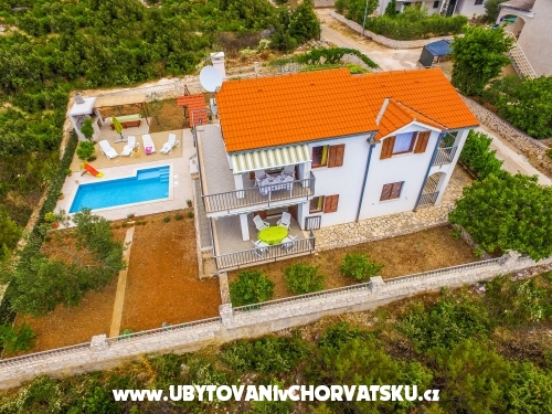 Holiday house Nena mit Pool - Marina – Trogir Kroatien