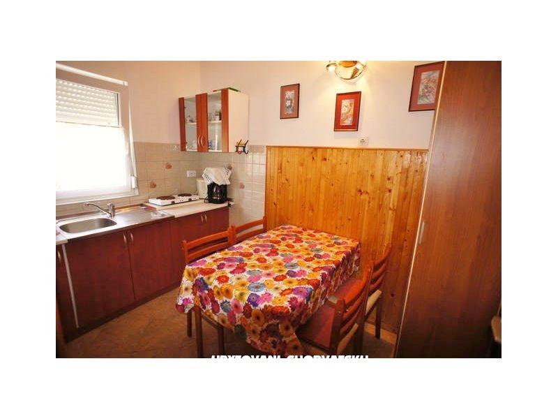 Camere marta medulin croazia alloggi for Camere croazia