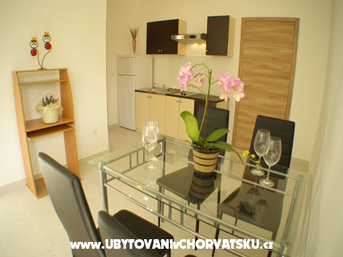 Apartma Kate - Murter Hrvaška