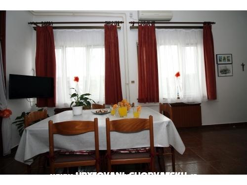 Apartamenty A.Jelovčić - Murter Chorwacja