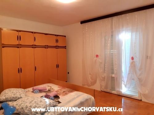 Appartements A.Jelovčić - Murter Kroatien